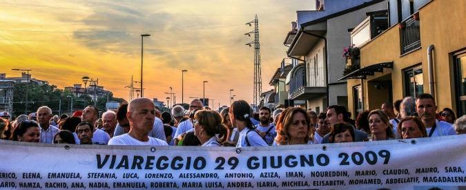"""Strage di Viareggio, perito di Ferrovie: """"Muro e velocità ridotta del treno? Non avrebbero evitato il disastro del 2009"""""""