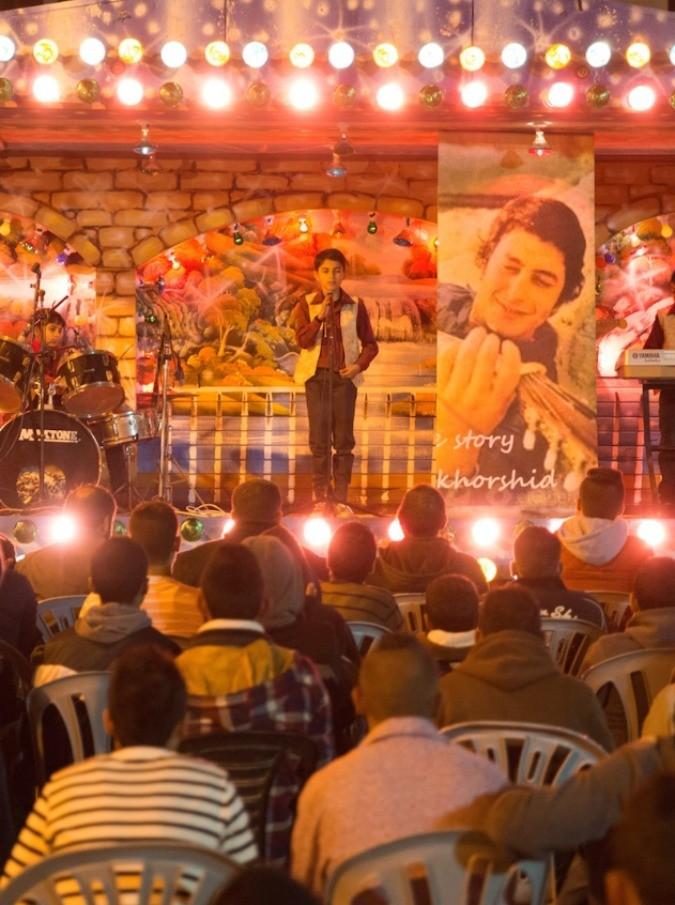 The Idol, The Millionaire rinasce nella Palestina dilaniata per trionfare sul palco di Arab Idol