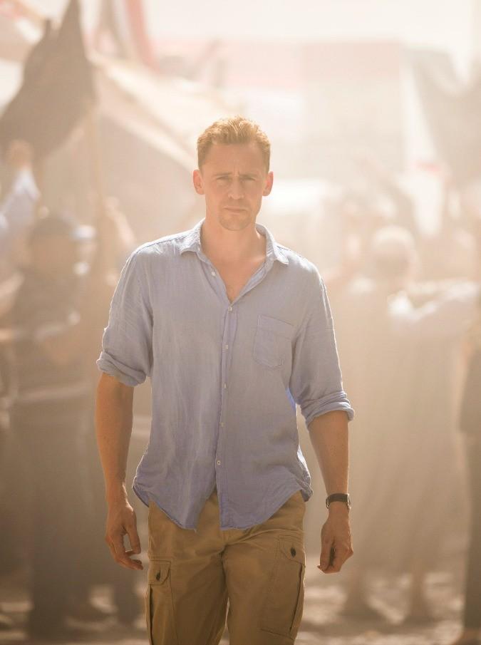 """The Night Manager, Loki contro Dr. House nella nuova serie di Sky. Tom Hiddleston: """"La parola potere mi fa rabbrividire"""""""