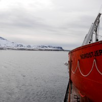 In navigazione tra i fiordi dell'isola di Spitsbergen