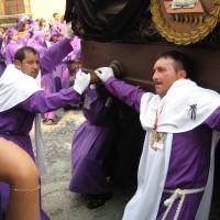 """Antigua, il fercolo processionale (""""anda procesional"""")"""