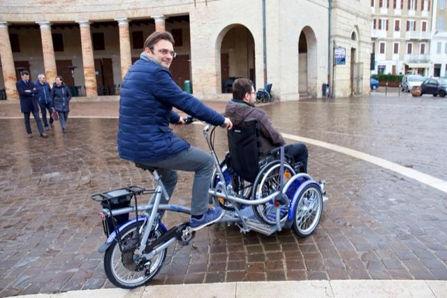 Bicicletta Per Trasportare I Disabili A Bologna Arriva Aspasso Per