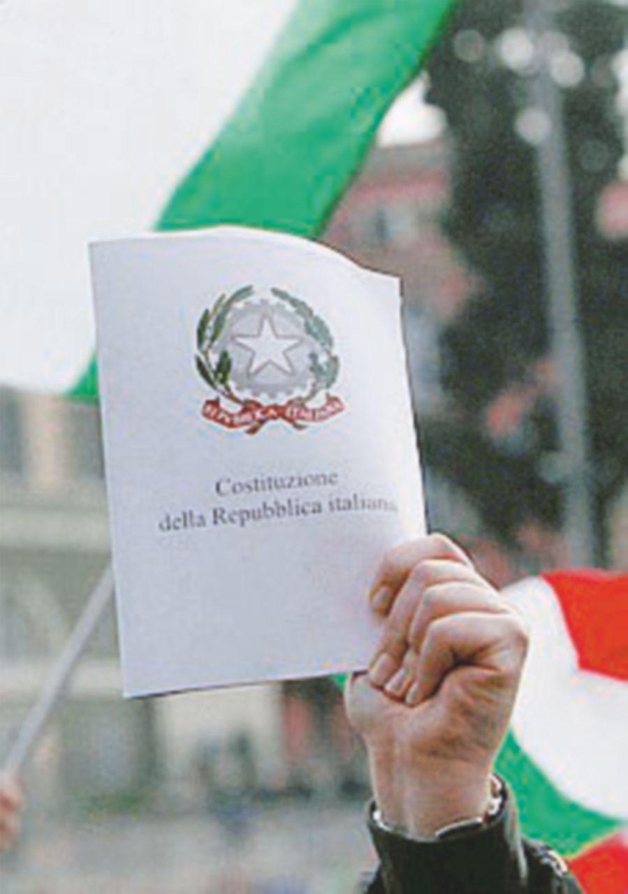 Da Torino a Catania i Comitati del No  in piazza per le firme