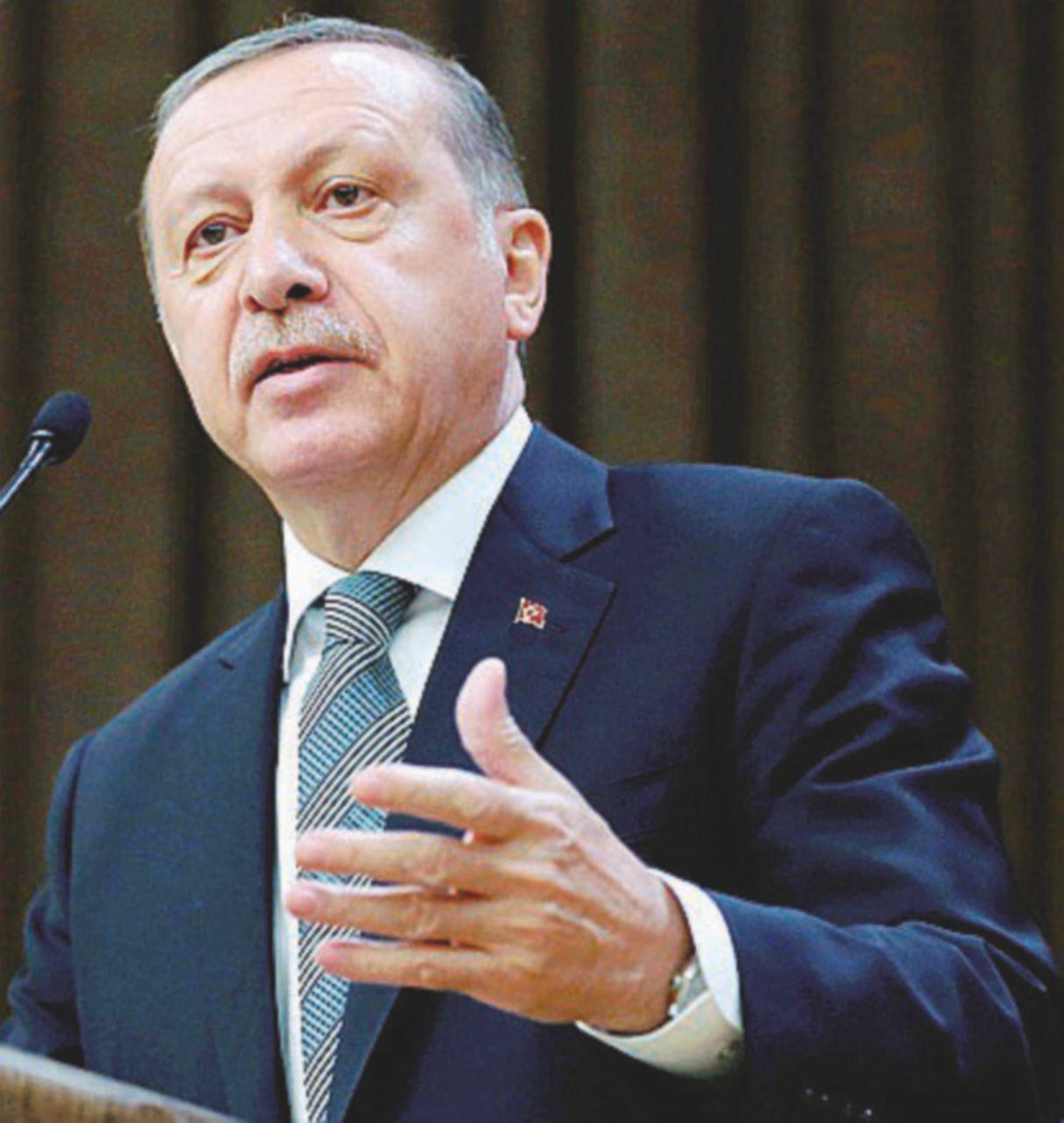 Vietato dissentire,  Erdogan caccia anche il premier