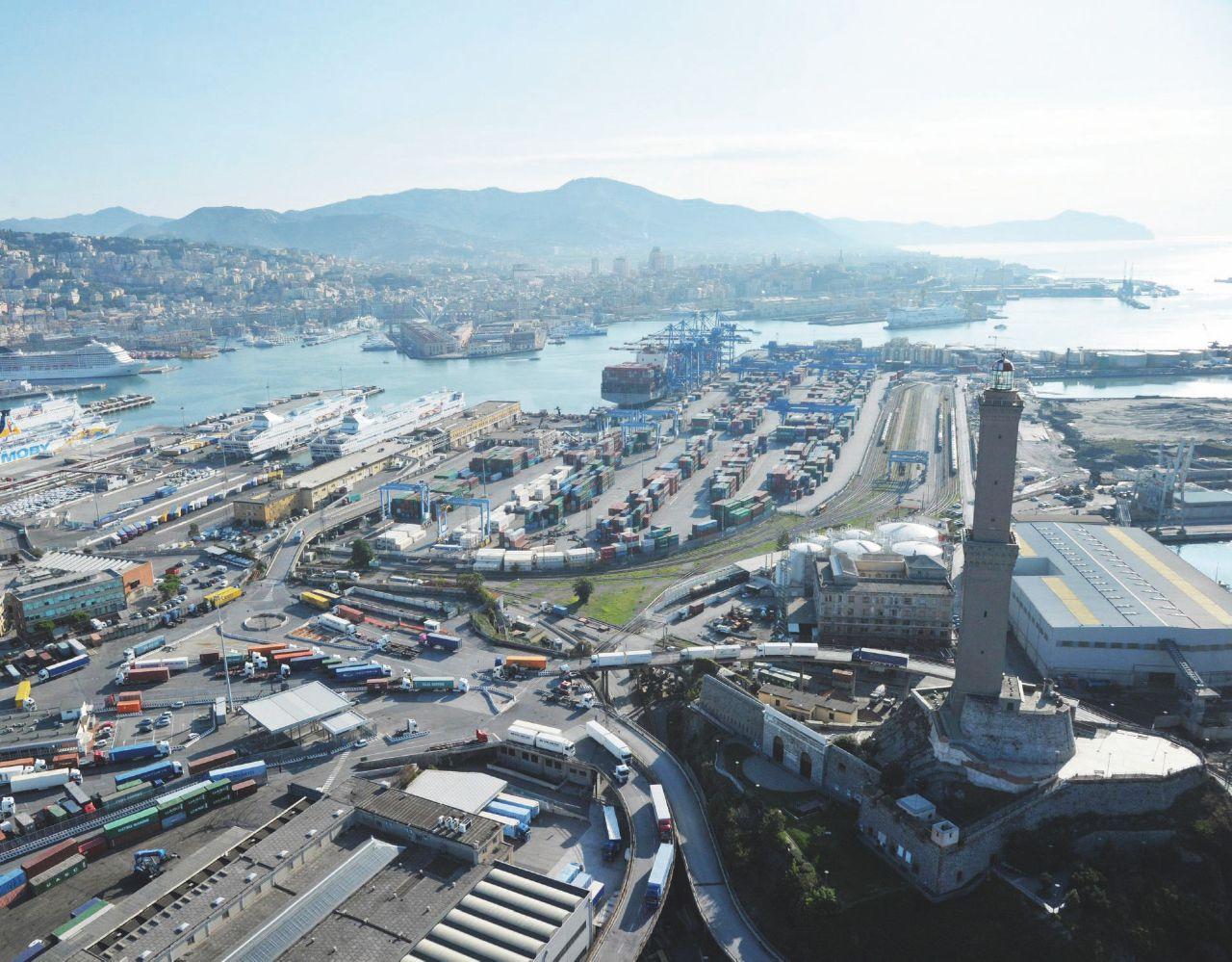 Crisi, indagini e riforma a metà: i signori dei porti resistono