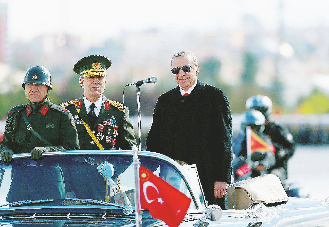 Erdogan, gli 007 e le armi camuffate mandate verso l'Isis