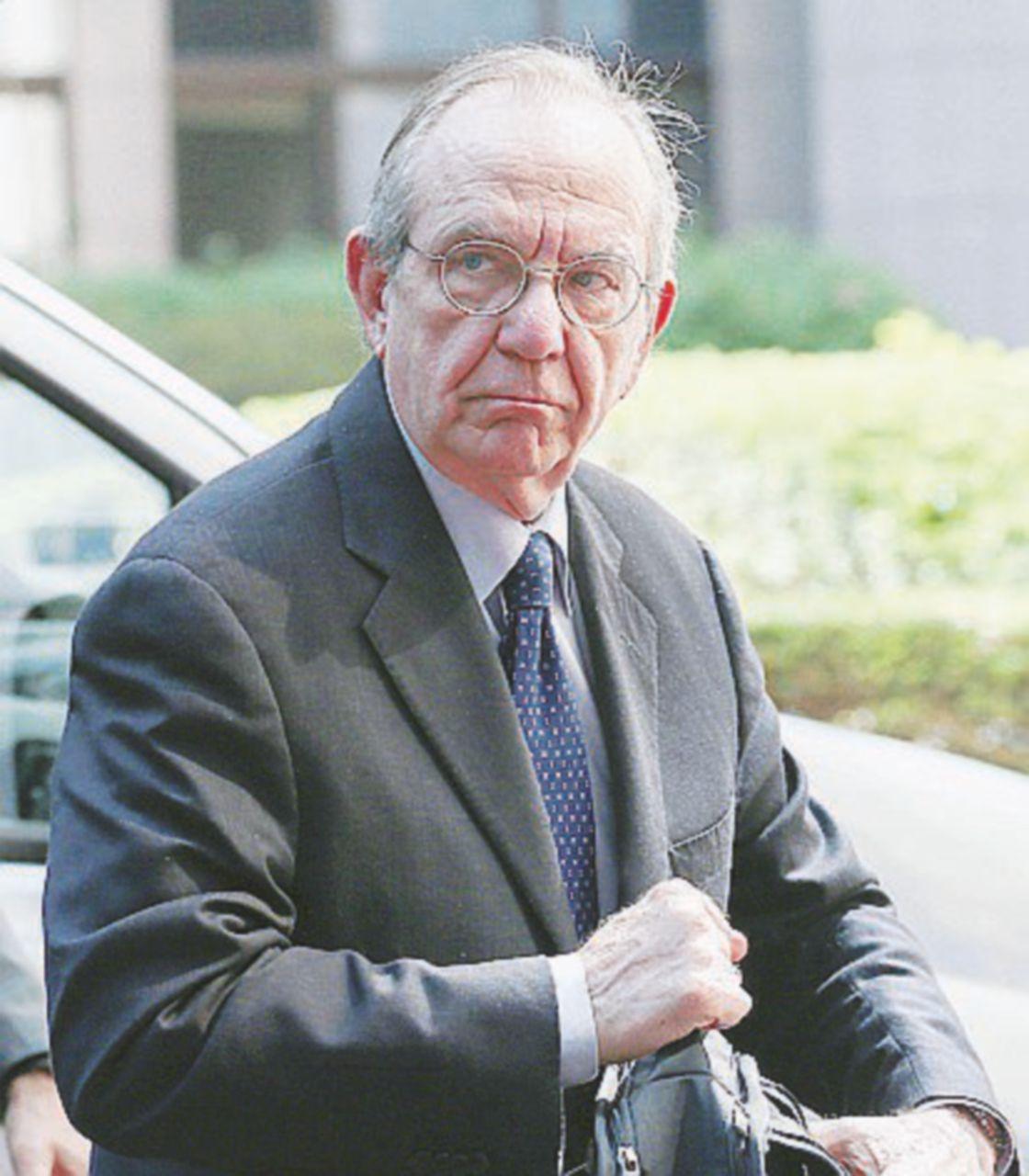 Il debito non cala, Padoan chiede clemenza all'Ue
