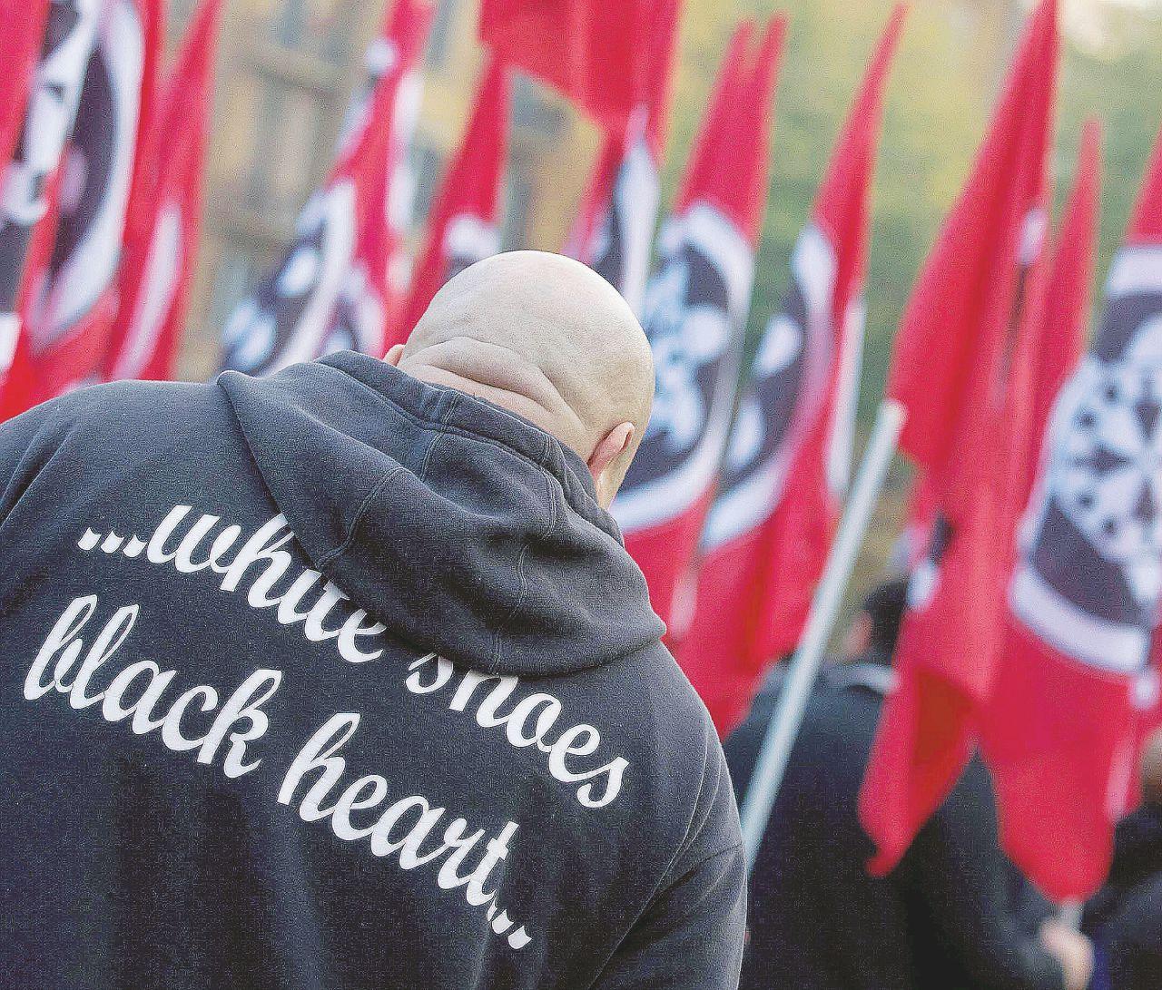 Bolzano-Roma, voti e mazzate: il nero avanza