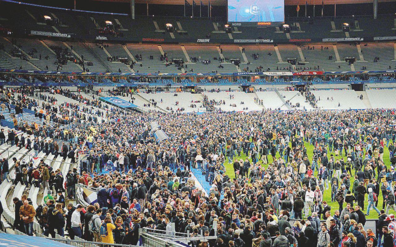 Parigi sbaglia 2 volte mira e Abaaoud fa la strage