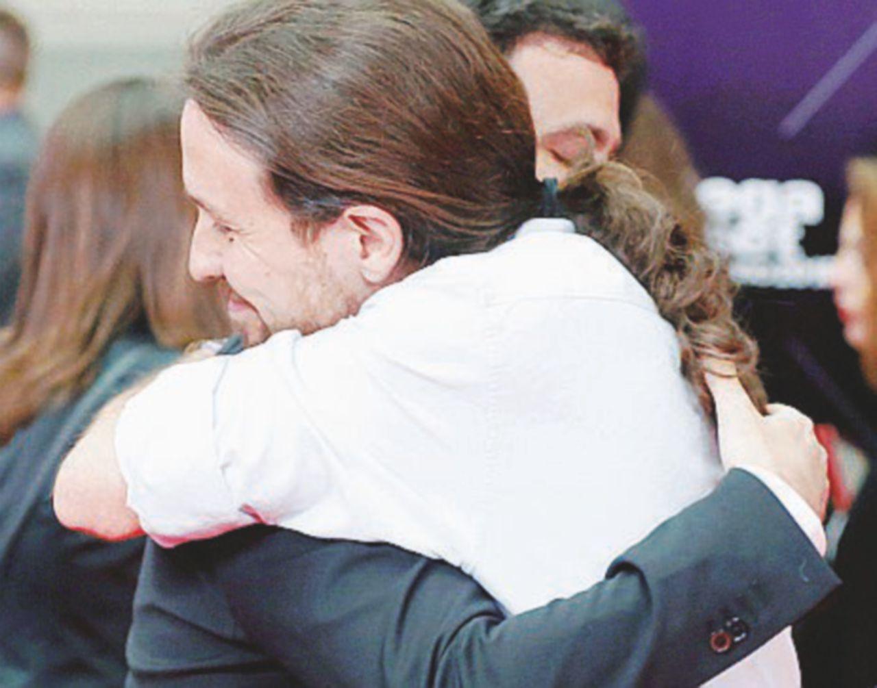"""""""A sinistra si può"""", Podemos ci prova"""