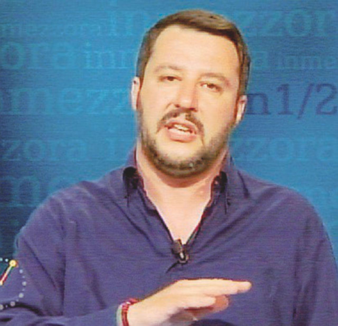 """Neanche Salvini crede alla Meloni sindaco: """"Al ballottaggio di Roma voto la Raggi"""""""