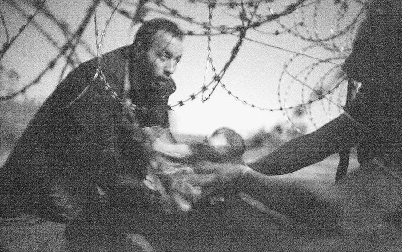 Lontanissimi eppure tra noi. I volti vittoriosi dei profughi