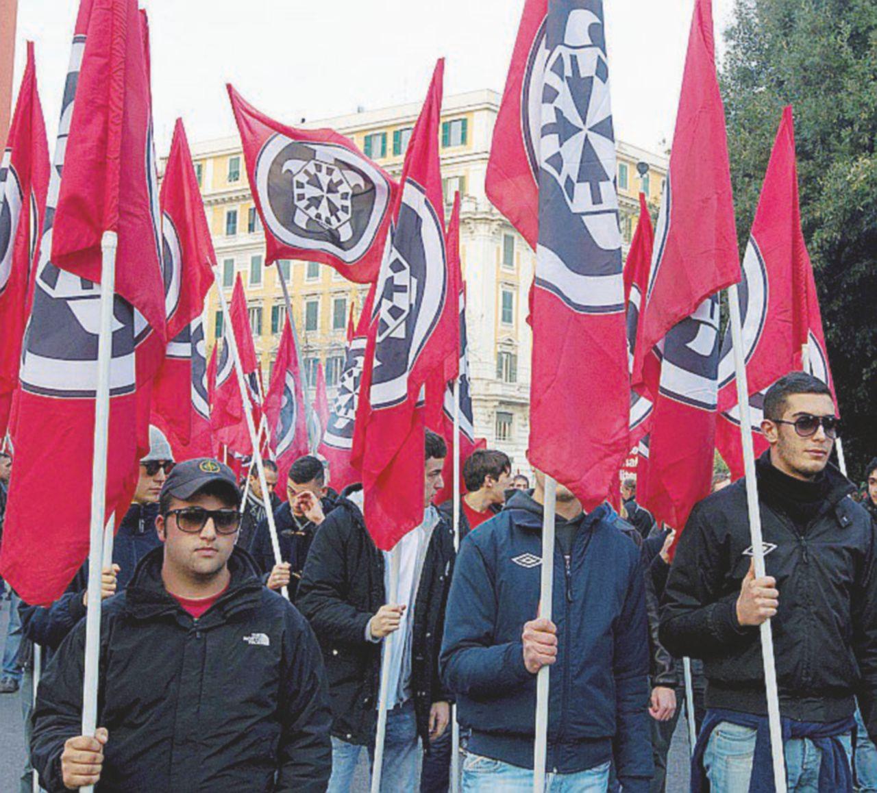 CasaPound blocca il centro di Roma