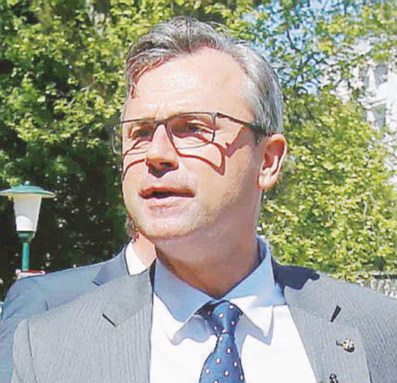 Austria, pareggio per la presidenza Il capo di Stato sarà deciso per posta