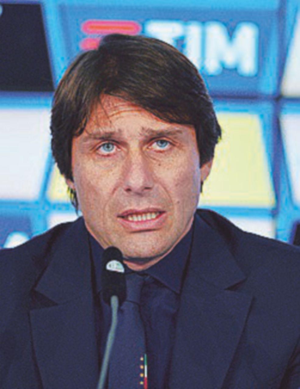 Euro 2016, Antonio Conte  ha scelto i primi trenta. Oggi Ventura nuovo Ct