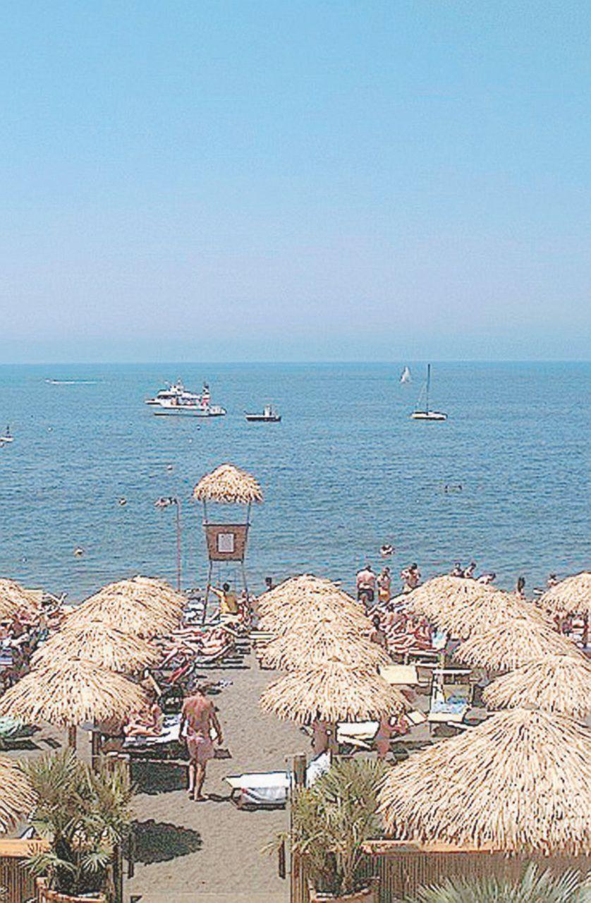 La spiaggia  non è più pubblica. È del costruttore
