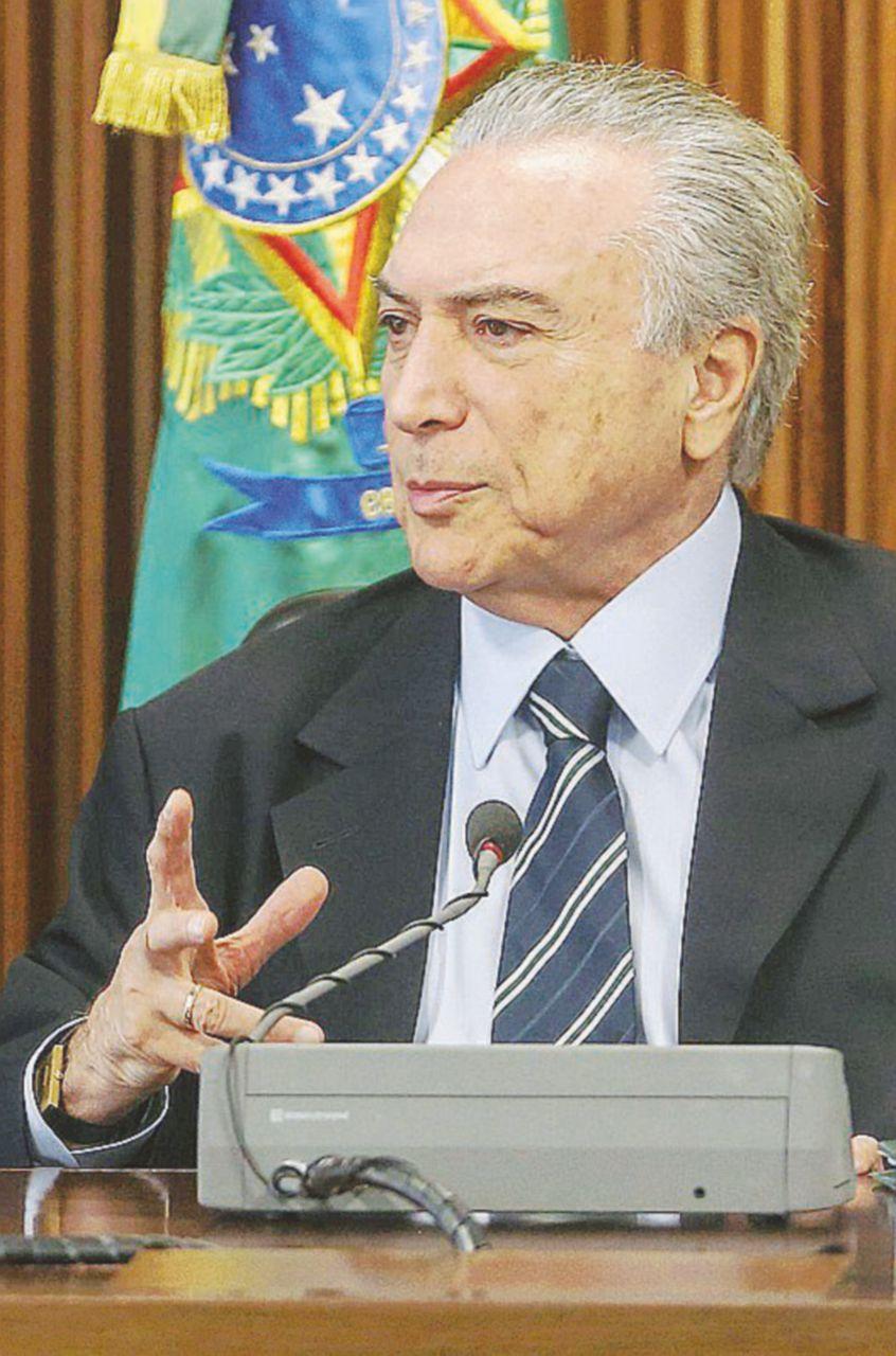 """""""Rousseff deve essere rimossa"""". L'intercettazione rilancia Dilma"""
