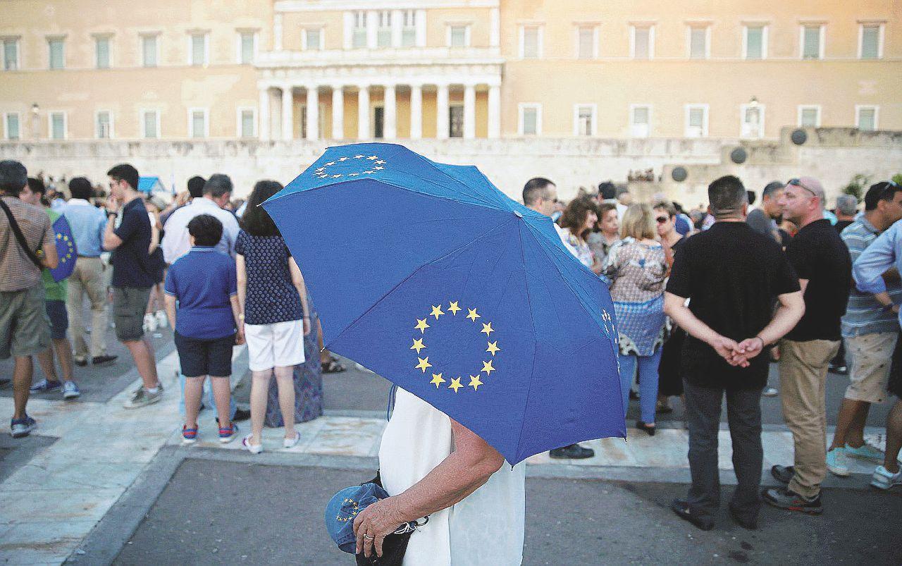 Grecia, l'accordo bufala e quelli a cui conviene