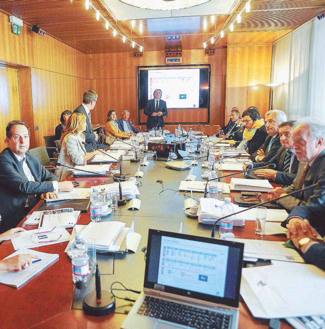 """""""Più pluralismo sul referendum"""": il Cda Rai dice no"""