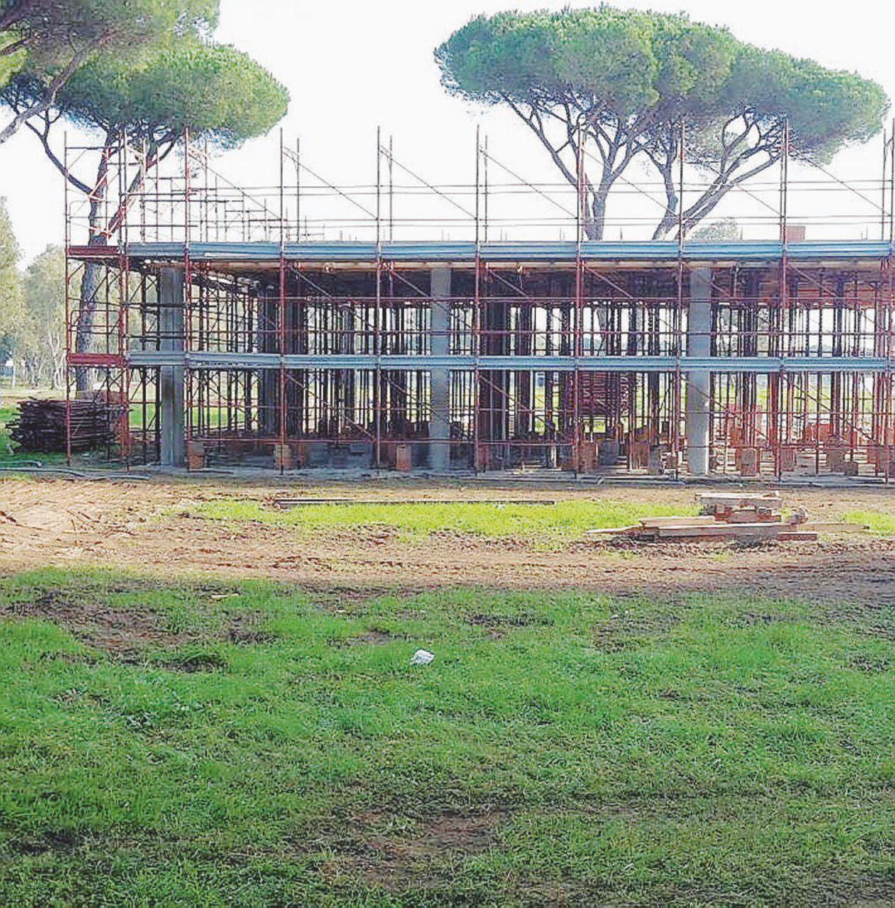 Ostia, sfregio alla Riserva naturale: wc di Mafia Capitale nell'oasi protetta