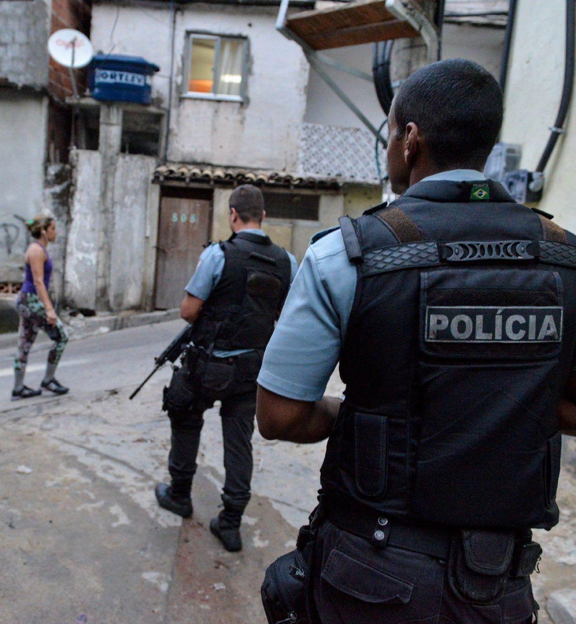 Campagna nazionale contro i 33 stupratori della ragazzina della favela