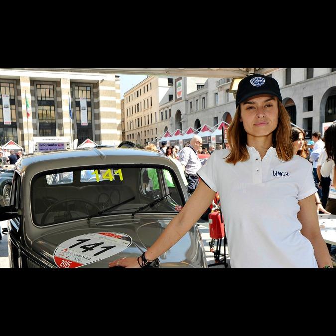 Mille Miglia 2016, Kasia Smutniak a bordo della Lancia Ardea