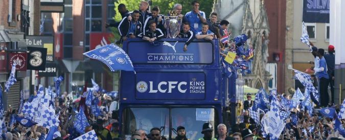 Premier League, la festa del Leicester campione d'Inghilterra: 100mila tifosi biancoblu per le vie della città – Video
