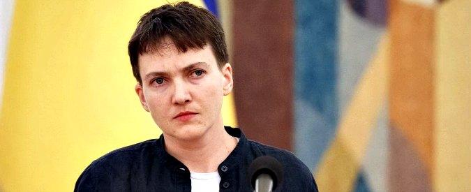 Nadia Savchenko, torna libera la top gun ucraina incarcerata in Russia da 2 anni