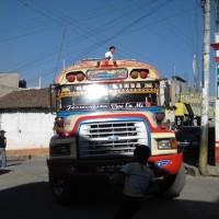 """Una """"camioneta"""" o """"chicken bus"""""""