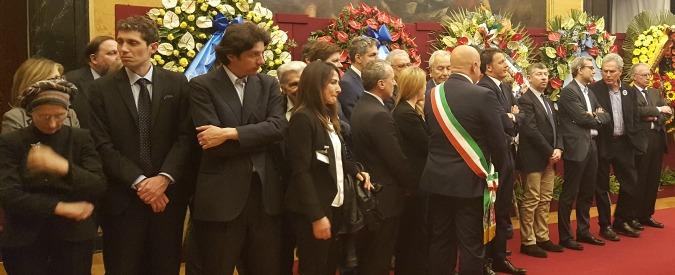 Marco Pannella, aperta la camera ardente a Montecitorio: l'ultimo saluto al leader radicale di Renzi, Boldrini, Bonino