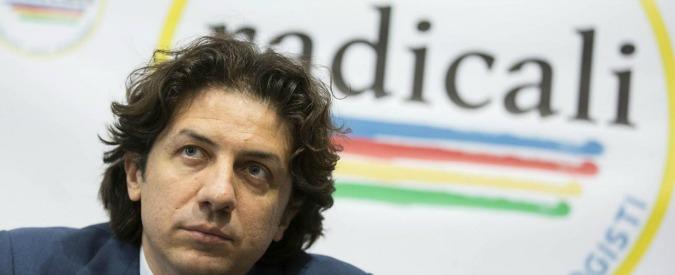 Dj Fabo e il suo ultimo grazie a Marco Cappato, il radicale da sempre impegnato sul fine vita (rischiando il carcere)