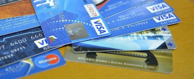 Banche, Intesa San Paolo vende per un miliardo di euro le carte di pagamento
