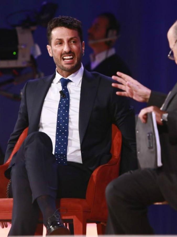 Grazie Dottor Cannizzo per averci mostrato l'altra faccia di Fabrizio Corona: un uomo che ha paura del dentista. Uomo tra gli uomini