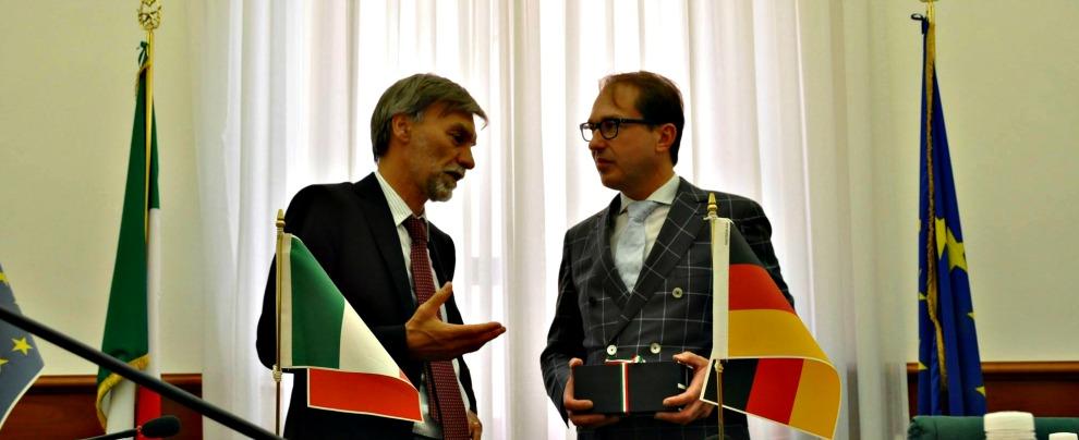 FCA, salta l'incontro con la commissione tedesca sulle emissioni. Botta e risposta Italia-Germania, interviene Delrio