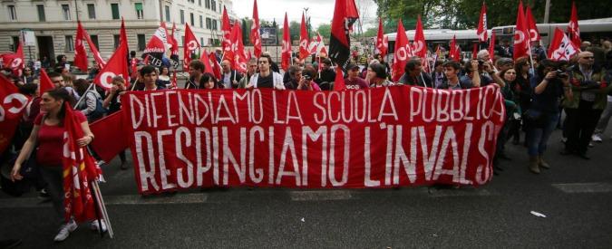 Invalsi, gli studenti boicottano i test e manifestano al Miur. E il 20 maggio sarà sciopero generale della scuola