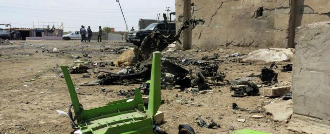 Iraq, bombe e attacchi kamikaze a Baghdad e dintorni: 12 persone uccise