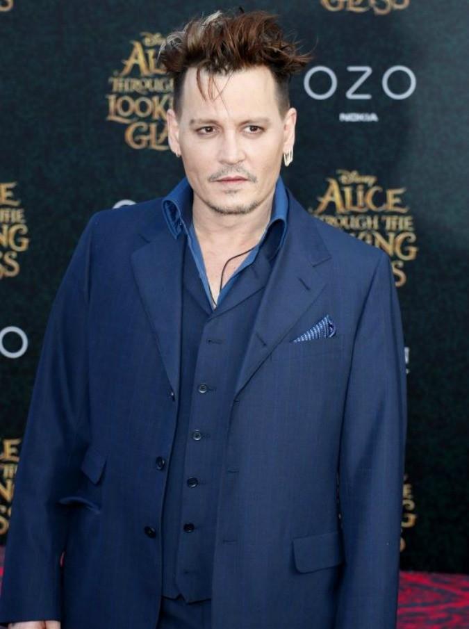 Johnny Depp, il divorzio con Amber Heard e altre considerazioni: star troppo presto, ora a corto di moglie e di ruoli. Lascia perdere, Johnny