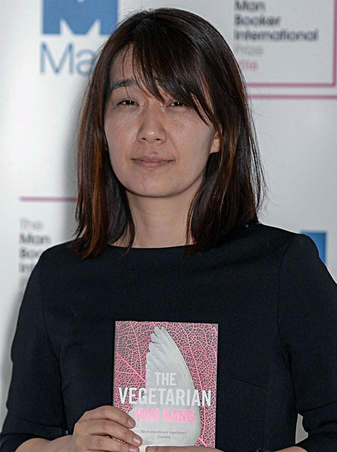 Man Booker Prize, niente da fare per la Ferrante (e Pamuk). Vince la sudcoreana Han Kang