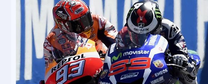 MotoGp Mugello, vince Lorenzo dopo testa a testa con Marquez. Valentino Rossi ritirato: motore rotto