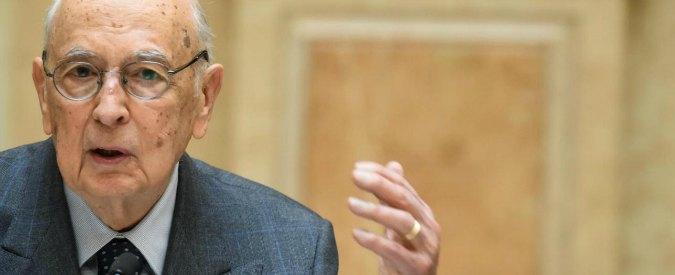 """Referendum riforme, Napolitano: """"Mi offende chi dice di votare no per difesa Costituzione"""". Anpi: """"Basta provocazioni"""""""