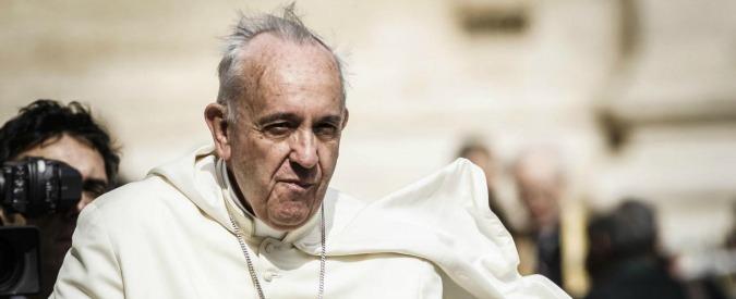 """Vaticano, su gestione finanziaria la svolta di Bergoglio è a metà. """"Ancora niente trasparenza su immobili e cliniche"""""""