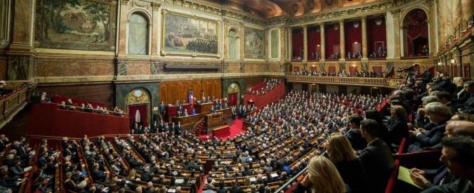 Francia, le ministre contro le violenze sessuali dei colleghi