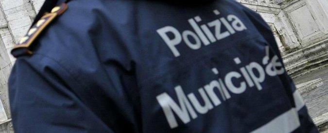 Forlì, squadre anti-degrado sorprendono due writer: sono i figli del sindaco