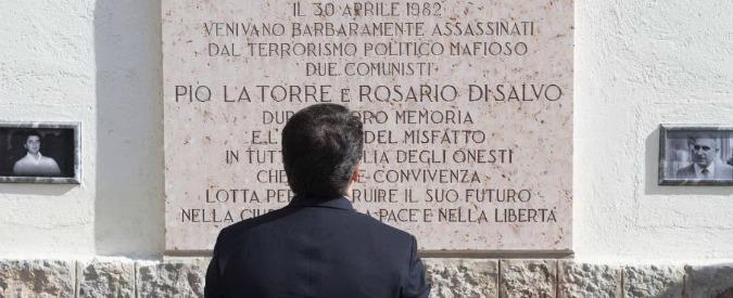 """Mafia, i due Pd davanti a Pio La Torre. Renzi: """"Si combatte con le sentenze"""". Bindi: """"Voti Cosa nostra puzzano sempre"""""""