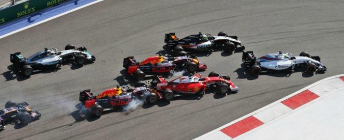 Formula 1, Gp di Russia: vince Rosberg, è il quarto successo di fila. Poi Hamilton e Raikkonen. Vettel tamponato due volte