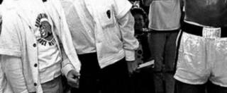 """Muhammad Ali, addio a una vera icona pop: al bar con Malcom X, un """"pugno per stendere"""" i Beatles e poi con i ragazzi dei quartieri poveri"""