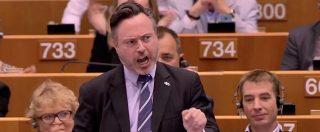 Brexit, standing ovation al Parlamento europeo per l'appello dello scozzese Smith