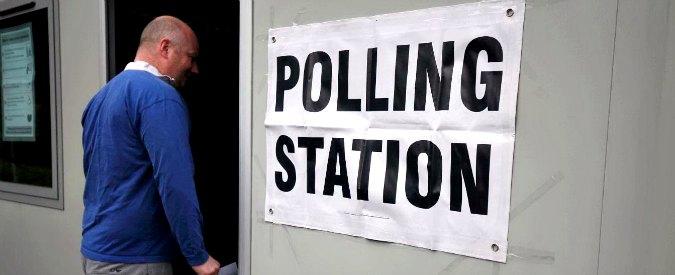 """Brexit, 46.5 milioni alle urne. L'ultimo sondaggio: """"Remain in testa con il 52%"""""""