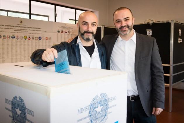 Bologna, Massimo Bugani al voto per le comunali