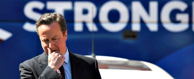"""Libia, il Parlamento condanna Cameron: """"Sbagliata la guerra del 2011, ex premier è responsabile del collasso del Paese"""""""